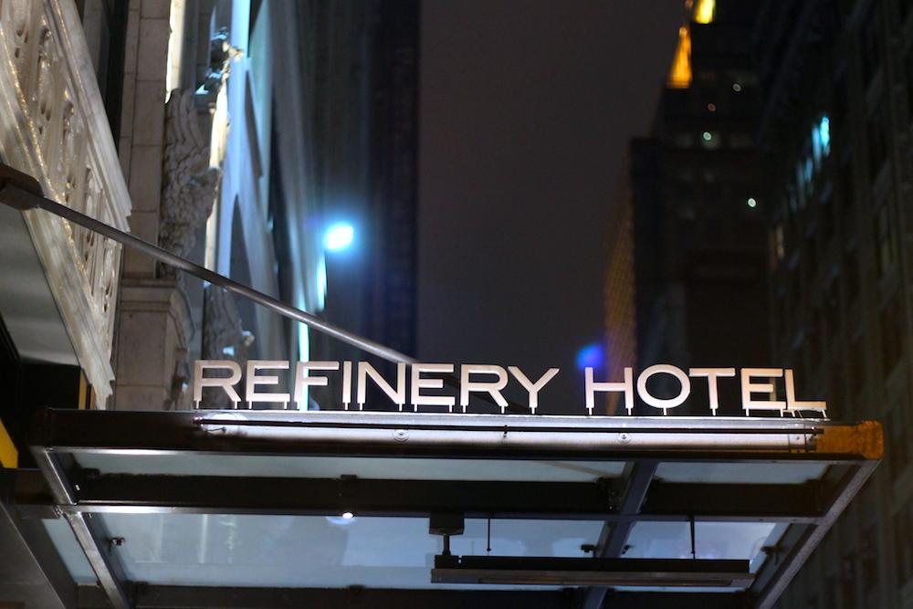 refinery hotel nyc front door (c) CG www.hejyou.be